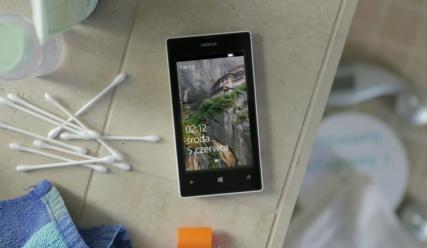 Lumia 520 - ostatni samodzielnie i szeroko reklamowany w 2013 r. przez Nokię w Polsce smartfon. Mimo prób marce nie udało się powrócić na szczyt.