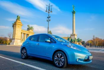190 takich elektrycznych Nissanów Leaf'ów wyjedzie na ulice Wrocławia w ramach miejskiej wypożyczalni aut.