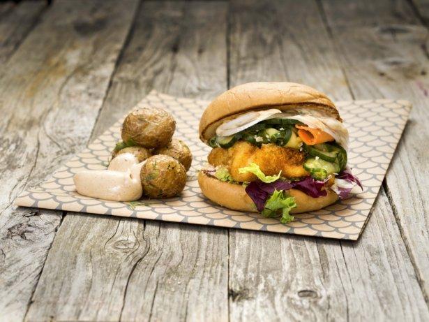 Burger rybny z The Fishery. Foto: materiały prasowe.