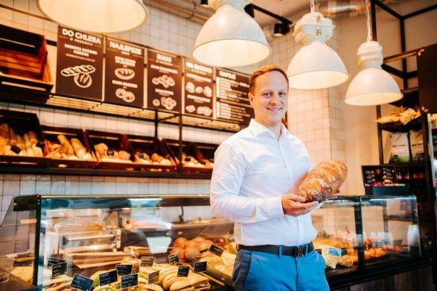 Bartłomiej Rychcik, prezes Enata Bread, grupy zarządzającej marką Gorąco Polecam. Zdjęcie: materiały prasowe.