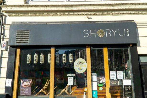 W Londynie wciąż obowiązuje lockdown gastronomii. Zamknięta restauracja Shoryu Ramen Soho, luty 2021 r. Zdjęcie: CK Travels/ Shutterstock.com