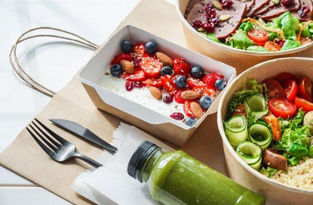 Roślinne dania zachęcają kolorami i smakowitością. Fot. Shutterstock.com
