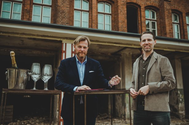 Robert Mielżyński i Gerard Schuurman, dyrektor projektu w Stocznia Cesarska Development.Zdjęcie: materiały prasowe.