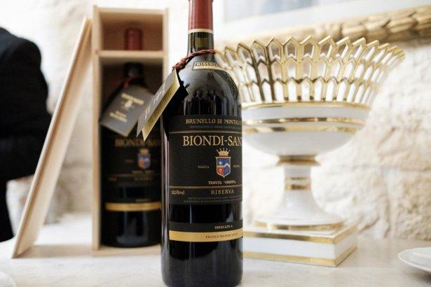 Brunello di Montalcino z winiarni Biondi-Santi na tle mistrzowskiego Pucharu UEFA 2020. Zdjęcie: materiały prasowe