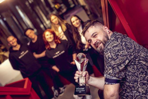Łódzki barman Bartłomiej Wójcik zwycięzcą World Class Poland 2021. Zdjęcie: materiały prasowe