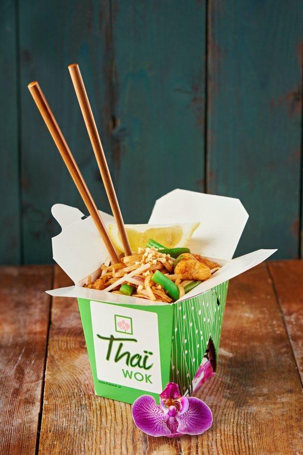 Pad thai z oferty Thai Wok. Zdjęcie: materiały prasowe