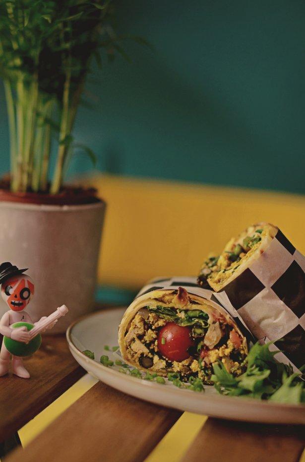Burrito z tofucznicą. Fot. Tymon Kotliński