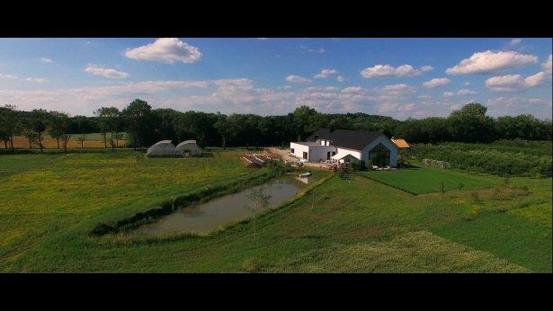 Forgotten Fields Farm z lotu ptaka. Fot. Michał Wróbel